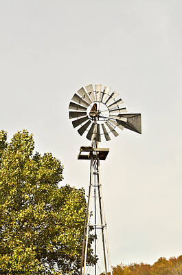 Clear Shoes Photograph - Windmill by Melinda Pettery