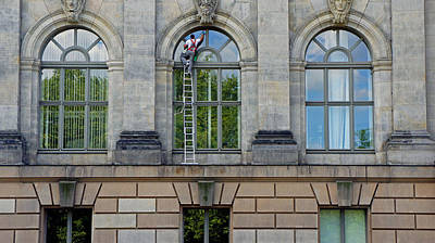 Photograph - Window Cleaner by Kees Colijn