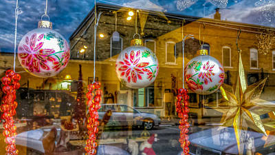 Photograph - Window Shopping by Patti Raine