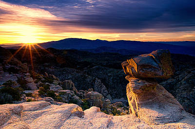 Photograph - Windy Point Hoodoo At Dawn by Kayta Kobayashi