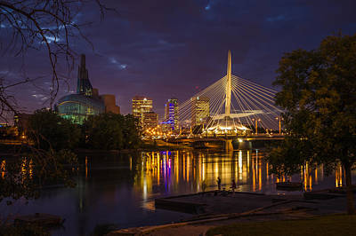 Winnipeg Photograph - Winnipeg Dusk by Bryan Scott