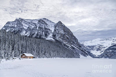 Log Cabins Photograph - Winter Getaway by Evelina Kremsdorf