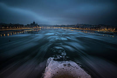 Budapest Photograph - Winter Morning In Budapest by Bal?zs Luk?csi