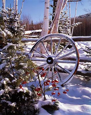 Winter Scenic Wagon Wheel Leaning Art Print
