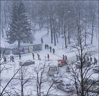 Photograph - Winter Traffic by Vladimir Kholostykh