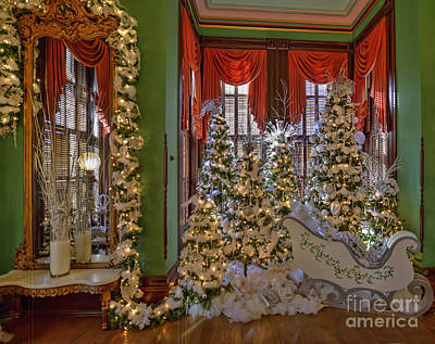 Photograph - Winter Wonderland - Vaile Victorian Mansion by Liane Wright