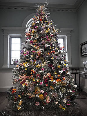 Photograph - Winterthur - Floral Christmas Tree by Richard Reeve