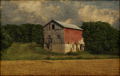 Shed Digital Art - Wisconsin Barn by Jack Zulli