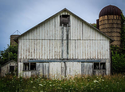 Photograph - Wisconsin White Barn Original by Kathleen Scanlan