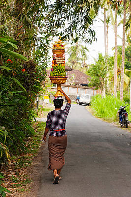 Woman Carrying Offering To Temple Art Print