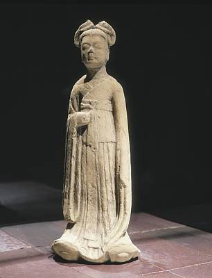 Ceramics Photograph - Woman Figure. 581 - 618. Servant by Everett
