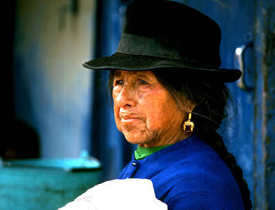 Photograph - Woman Of Quito by Robert  Rodvik