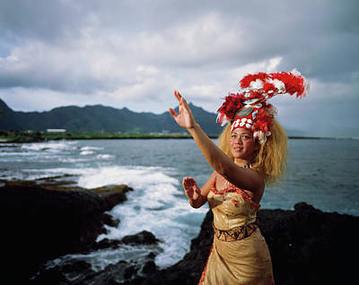 Woman Wearing A Traditional Samoan Art Print by David Kirkland