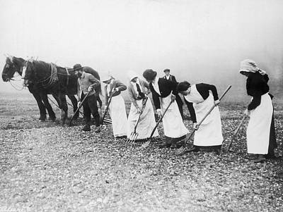 1910s Photograph - Women Learning Farming by Underwood Archives