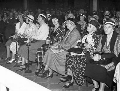 Fashion Show Photograph - Women Spectators by Underwood Archives