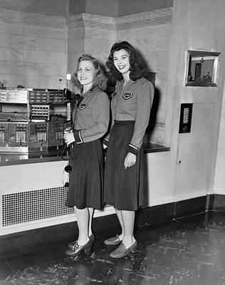 New York Stock Exchange Photograph - Women Stock Exchange Couriers by Underwood Archives