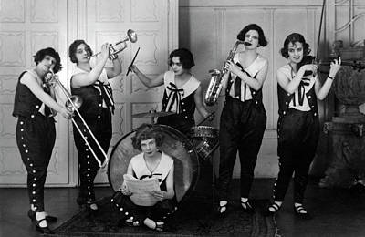 Photograph - Women's Jazz Band by Underwood Archives