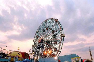 Photograph - 'wonder Wheel At Twilight' by Liza Dey