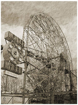 Photograph - Wonder Wheel Coney Island by Brooke Fuller