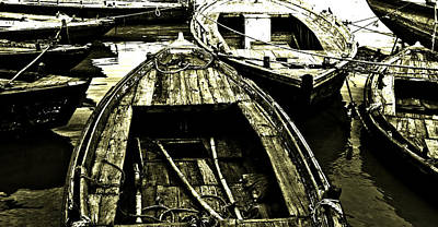 Gangi Photograph - Wooden Boat by Kabir Ghafari