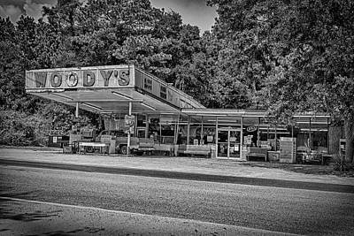 Photograph - Woody's by Alan Raasch