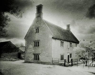 Manor Wall Art - Photograph - Woolsthorpe Manor by Simon Marsden/science Photo Library