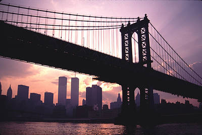 World Trade Towers Manhattan Bridge At Sunset Nyc Art Print by Tom Wurl