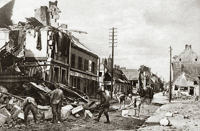 Ally Photograph - World War I Salvaging by Granger