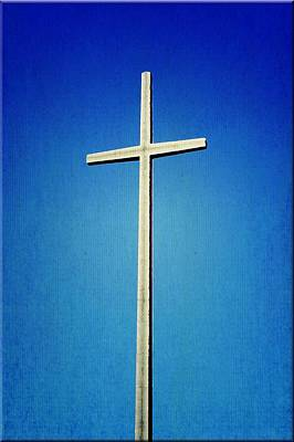 Photograph - World's Tallest Cross by Laurie Perry