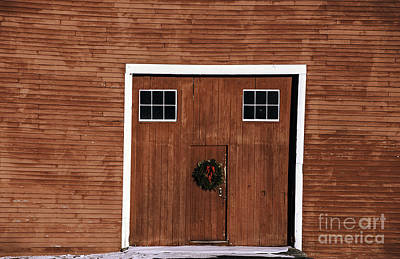 Photograph - Wreath On Barn Door Univ Of Connecticut by Phil Cardamone