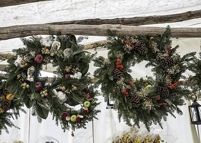 Tlk Designs Photograph - Wreaths For Sale Colonial Williamsburg by Teresa Mucha