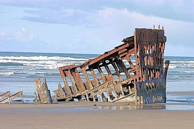 Peter Iredale Photograph - Wreck Of The Peter Iredale by Classic Visions
