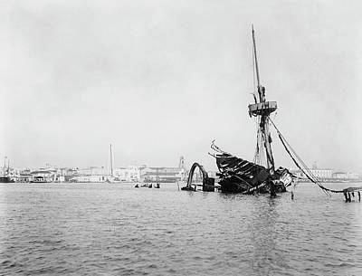 Spanish Ship Photograph - Wreck Of Uss Maine In Havana by Library Of Congress