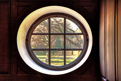 Photograph - Wren Chapel Window by Jerry Gammon