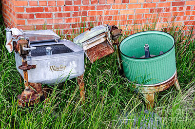 Photograph - Wringer Washer And Laundry Tub by Sue Smith