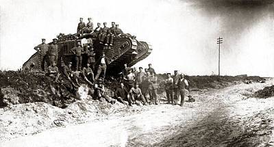 Photograph - Wwi German Soldiers Gathered On English Tank by Historic Image