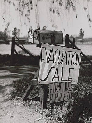 Photograph - Wwii, Internment Of Japanese-americans by Science Source