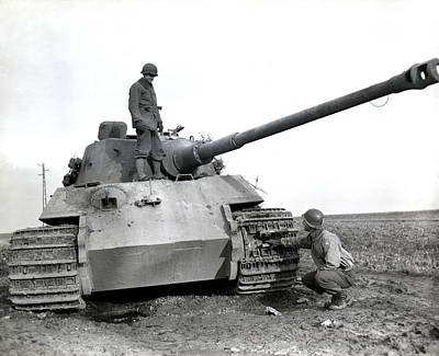 Wwii Us Soldiers Inspect Tiger Tank Art Print by Historic Image