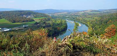 Wyalusing Photograph - Wyalusing Rocks Overlook Susquehanna River Pennsylvania by A Gurmankin
