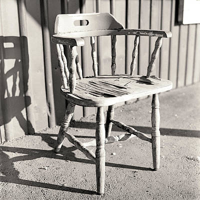 Empty Chairs Photograph - Wylie's Chair by Will Gunadi
