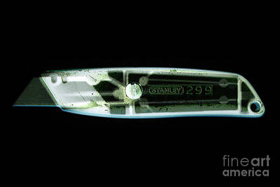 Terrorist Photograph - X-ray Of A Boxcutters by Scott Camazine