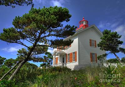 Photograph - Yaquina Bay Light by Mel Steinhauer