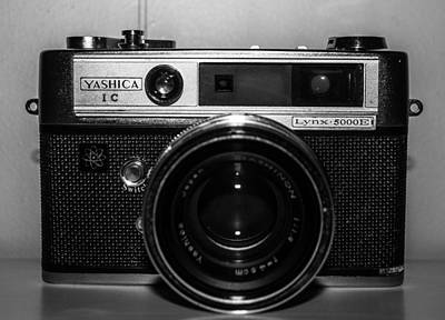 Steven Taylor Photograph - Yashica 1c by Steven  Taylor