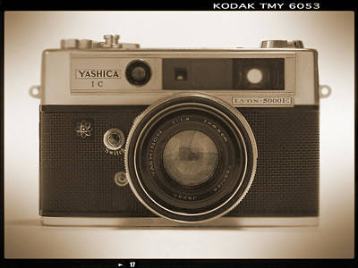 Yashica Lynx 5000e 35mm Camera Art Print by Mike McGlothlen