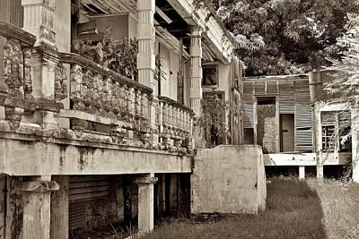 Photograph - Yauco Abandoned Clinic by Ricardo J Ruiz de Porras