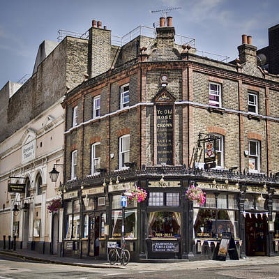 Pubs Photograph - Ye Old Rose And Crown by Heather Applegate