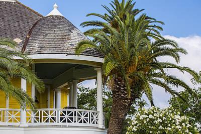 Photograph - Yellow House In Galveston Tx  by John McGraw