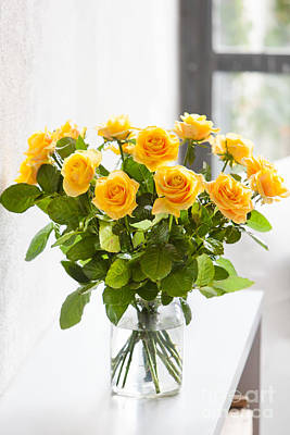 Photograph - Yellow Roses by Burger Phanie