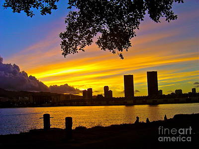 Yellow Skies Over Honolulu - No.2004 Art Print by Joe Finney