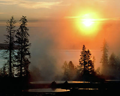 Photograph - Yellowstone Lake Sunrise Over West Thumb by Ed  Riche